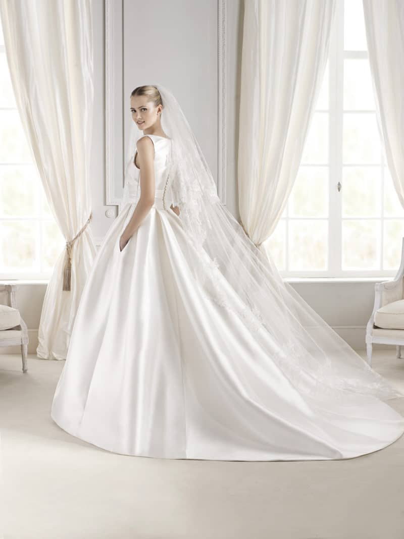 La sposa bridal boutique des moines for La sposa wedding dress